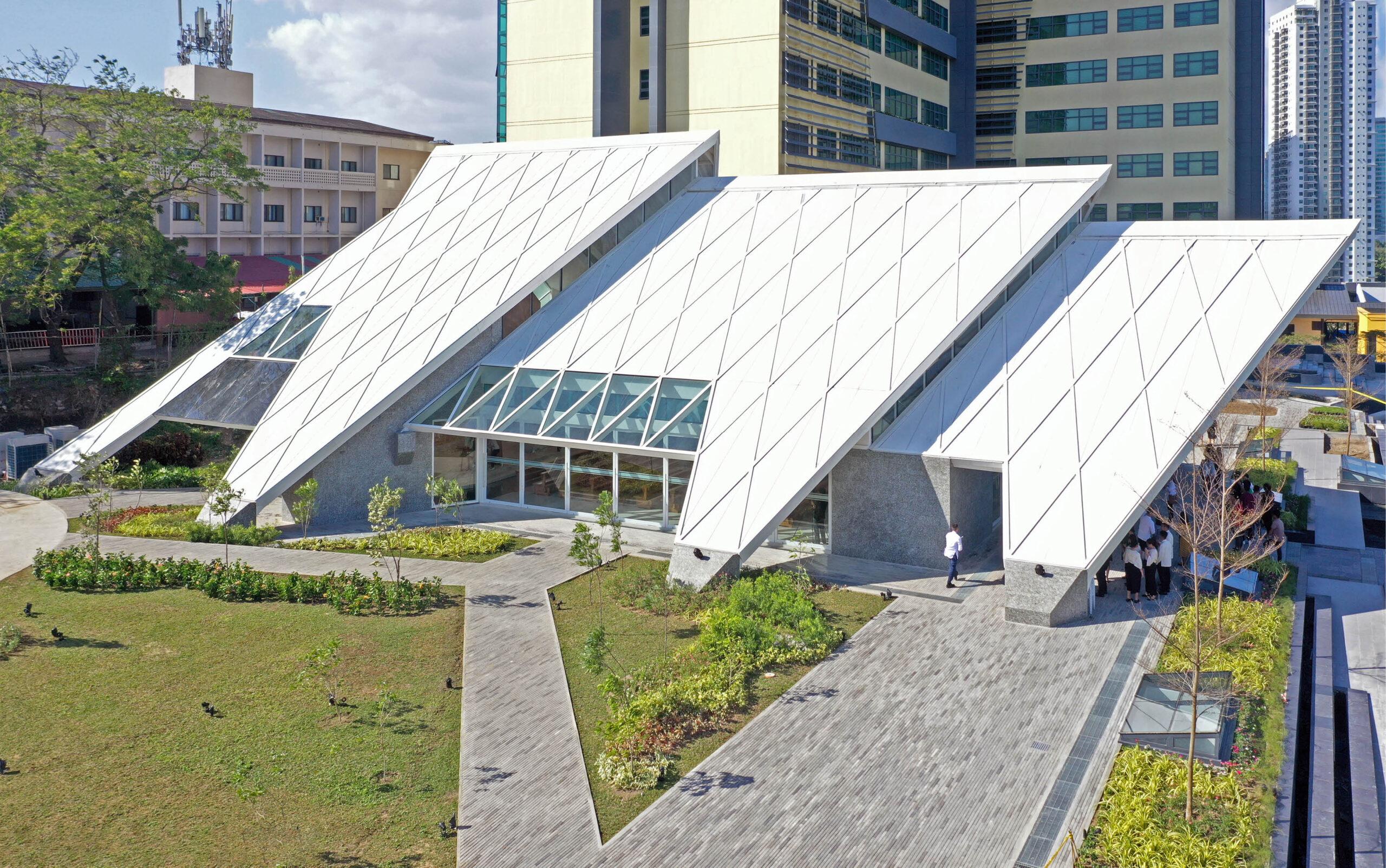 Casas + Architects